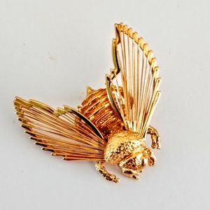 Monet Bee Brooch Sweater Pin Gold Tone Costume